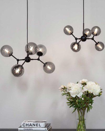 738823-Atom-Large-lysekrone-Smoke-WEB_miljø2